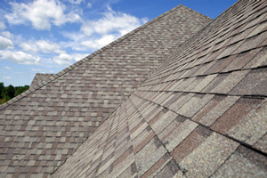 Homes roofed with asphalt shingles in Atlanta